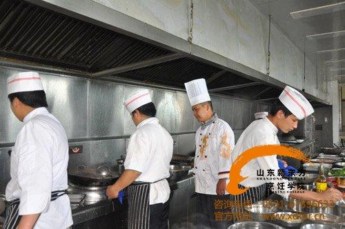 新东方烹饪教育创业之星--孔朋飞