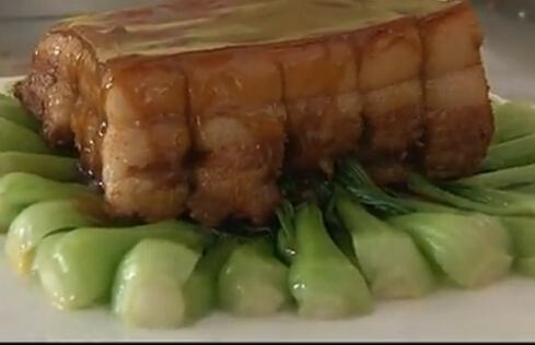 张文峰传统鲁菜:酱汁方肉的_山东新东方烹饪