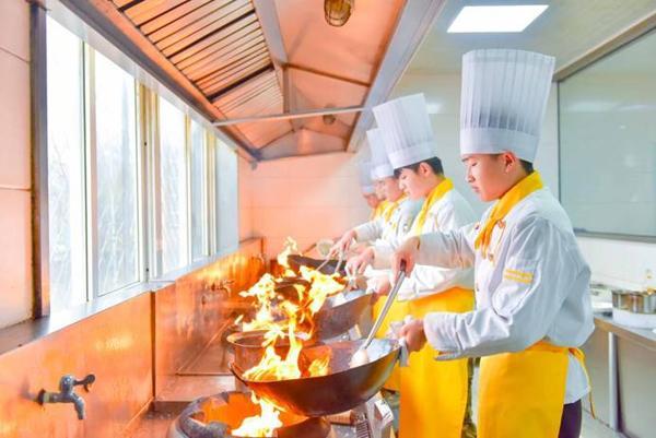 <b>2020年学厨师的四大优势,你一定要知道!</b>