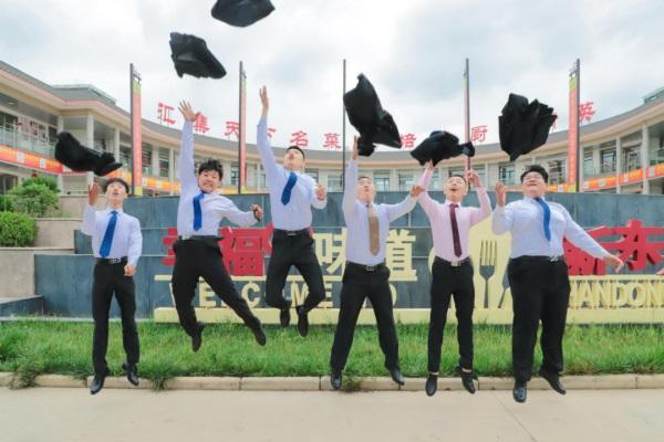 <b>山东新东方烹饪告诉你:职校生到底为什么那么受欢迎?</b>